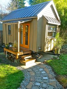 Tiny House Hunters - HGTV Show